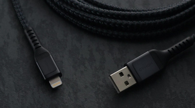 Braided Lightning Nomad cable for Apple products